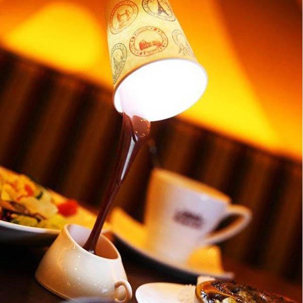 Светильник Выливающийся кофе