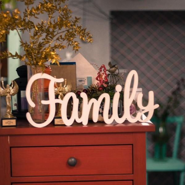 Декоративное слово Family